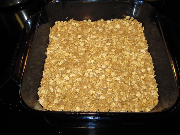 Oat mixture pressed in pan
