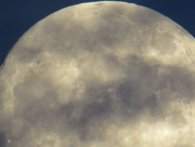 close-up of the December 4th moon